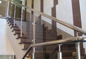 Лестничные ограждения из нержавеющей стали с комбинацией стекла